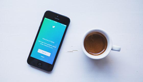 iPhone和咖啡杯素材(PSD)